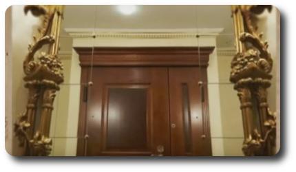 входная дверь не должна отражаться в зеркале